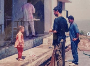 """Late actor Irrfan Khan remembered by his loving son Babil through some heart-warming """"Holi """"pics""""!"""