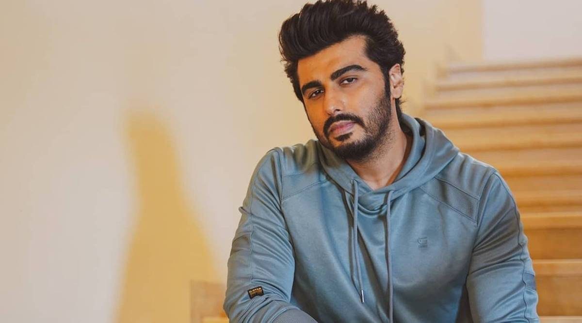 Arjun Kapoor narrates how he stood up for Sonam Kapoor in school and got punched in the eye!